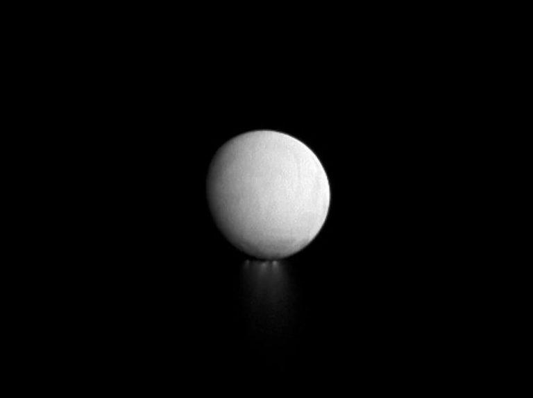 Enceladus water plumes